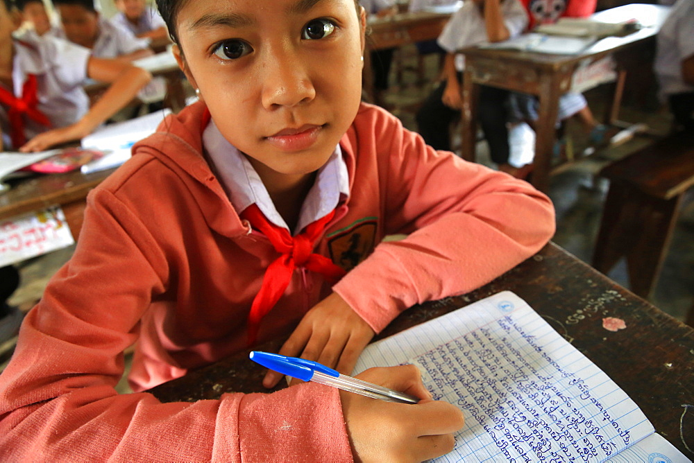 Laotian schoolgirl, Elementary School, Vieng Vang, Laos, Indochina, Southeast Asia, Asia