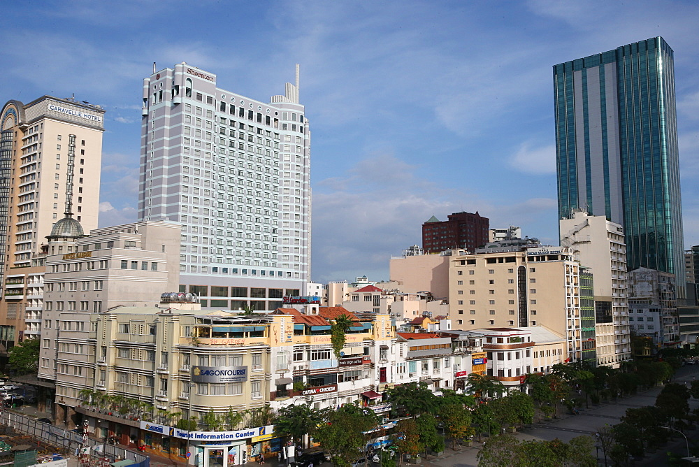 Nguyen Hue pedestrian street and Sheraton hotel, District 1, Ho Chi Minh City, Vietnam, Indochina, Southeast Asia, Asia