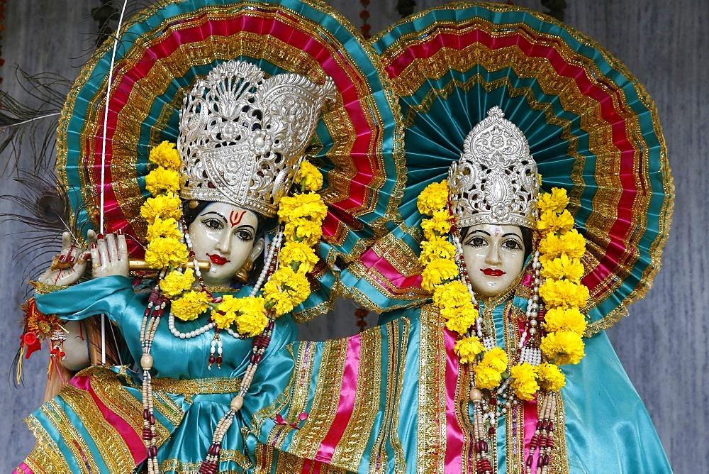 Krishna and Radha murthis (statues) in a Delhi hindu temple. Delhi. India.