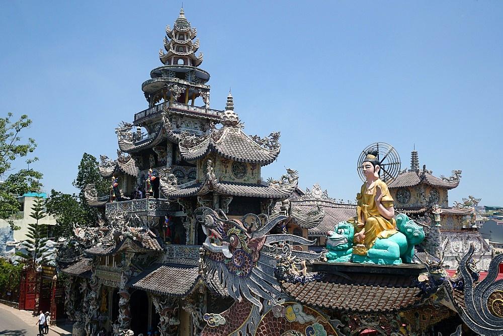 Linh Phuoc Buddhist Pagoda, Dalat, Vietnam, Indochina, Southeast Asia, Asia