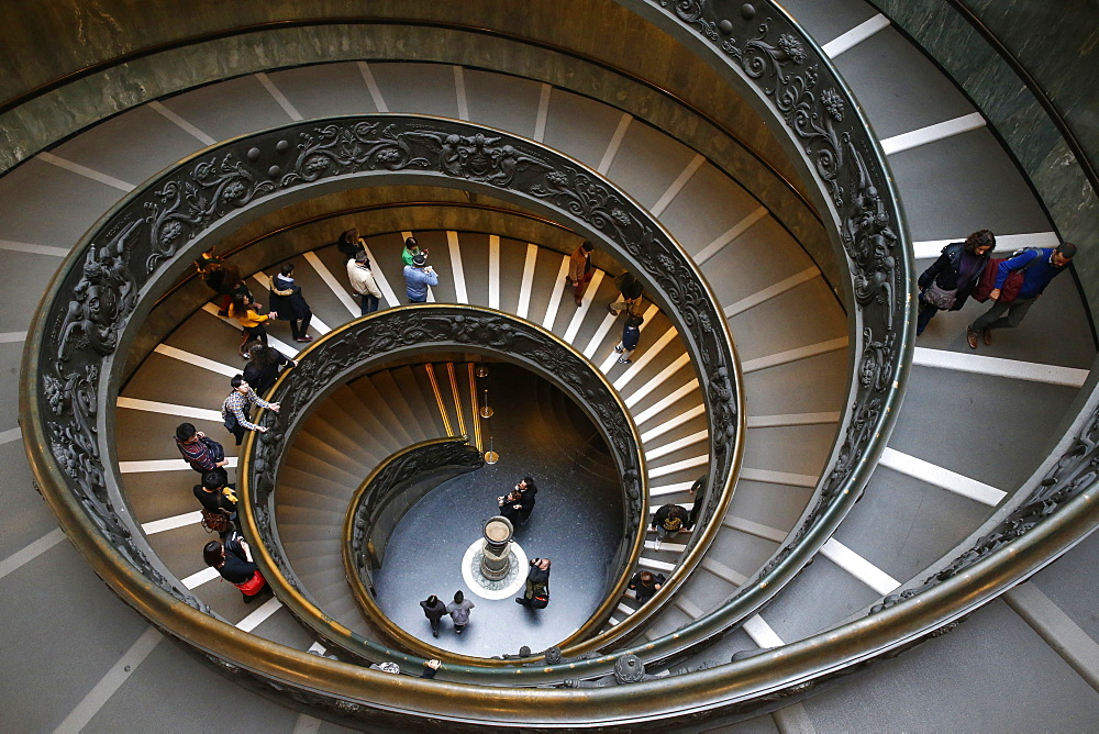 Vatican museums, Rome. Spiral staircase. Italy. - 809-7334