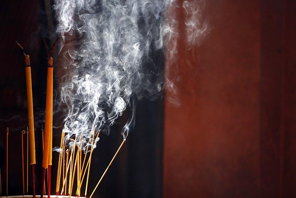 Burning incense sticks, Taoist temple, Emperor Jade Pagoda (Chua Phuoc Hai), Ho Chi Minh City, Vietnam, Indochina, Southeast Asia, Asia - 809-7417