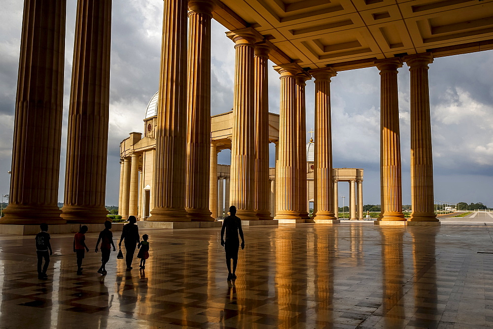 Visitors, Basilica of Our Lady of Peace, a Roman Catholic minor Basilica in Yamoussoukro, Ivory Coast, West Africa, Africa