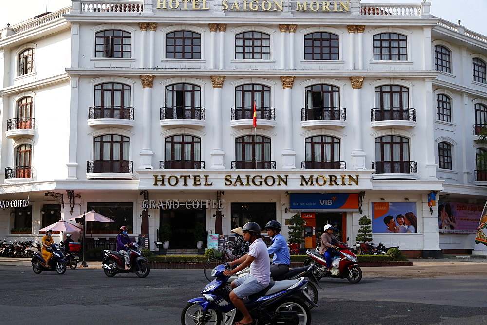 The Hotel Saigon Morin built in 1901, French colonial architecture, Hue, Vietnam, Indochina, Southeast Asia, Asia - 809-7857