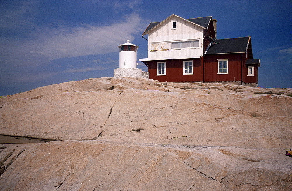 Lighthouse on Stora Svangen at entrance to Kosterfjord, Bohuslan, Sweden, Scandinavia, Europe
