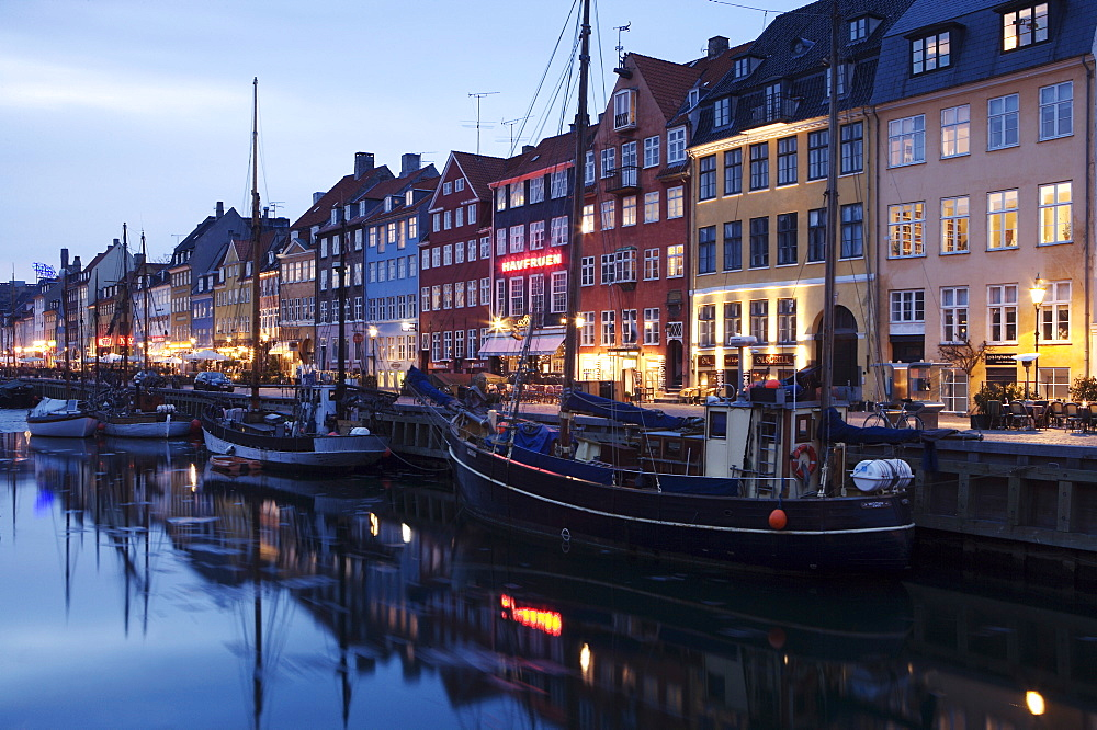 Harbour in winter at dusk, Copenhagen, Denmark, Scandinavia, Europe - 812-124