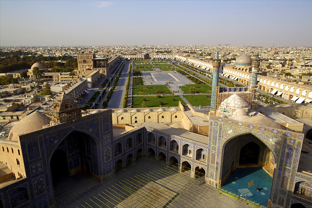 View from the great minaret over the Royal Square (Imam Square), UNESCO World Heritage Site, Grand Mosque and Sheik Lotfollah Mosque, Isfahan, Iran, Middle East - 814-1515