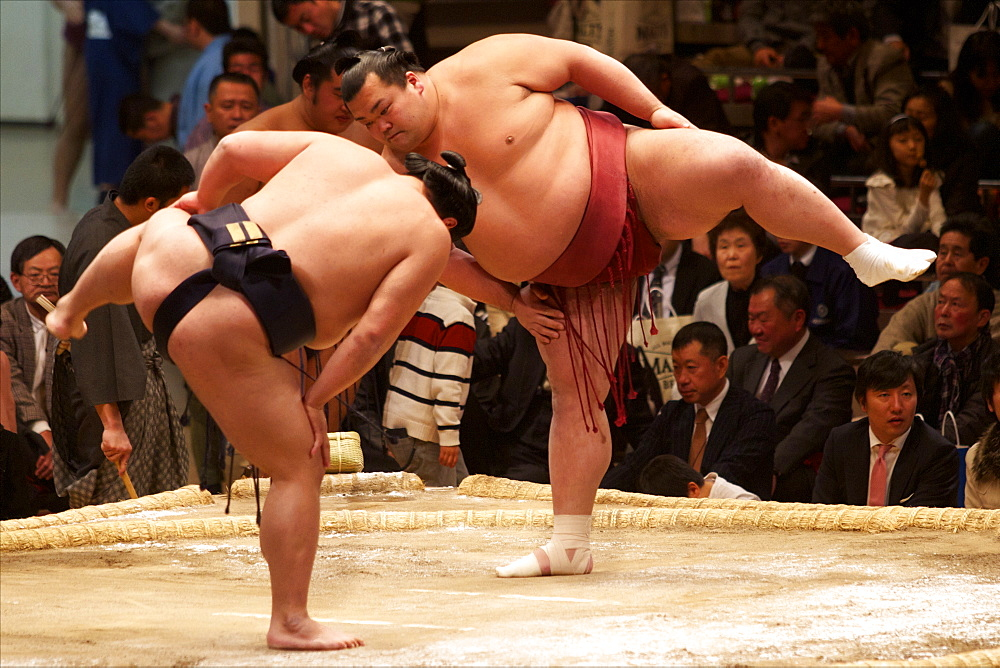 Sumo wrestling competition at the Kokugikan stadium, Tokyo, Japan, Asia - 814-1526