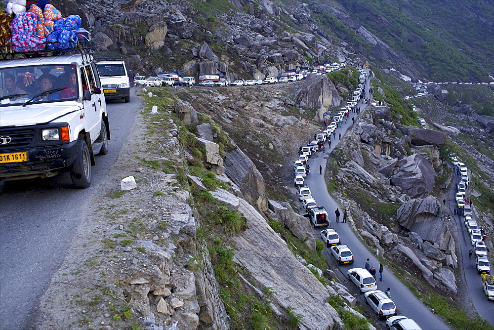 On Rohtang Pass road, traffic jam at 5 in the morning, close to Manali, road from Manali to Leh, Himachal Pradesh, India, Asia - 814-1564