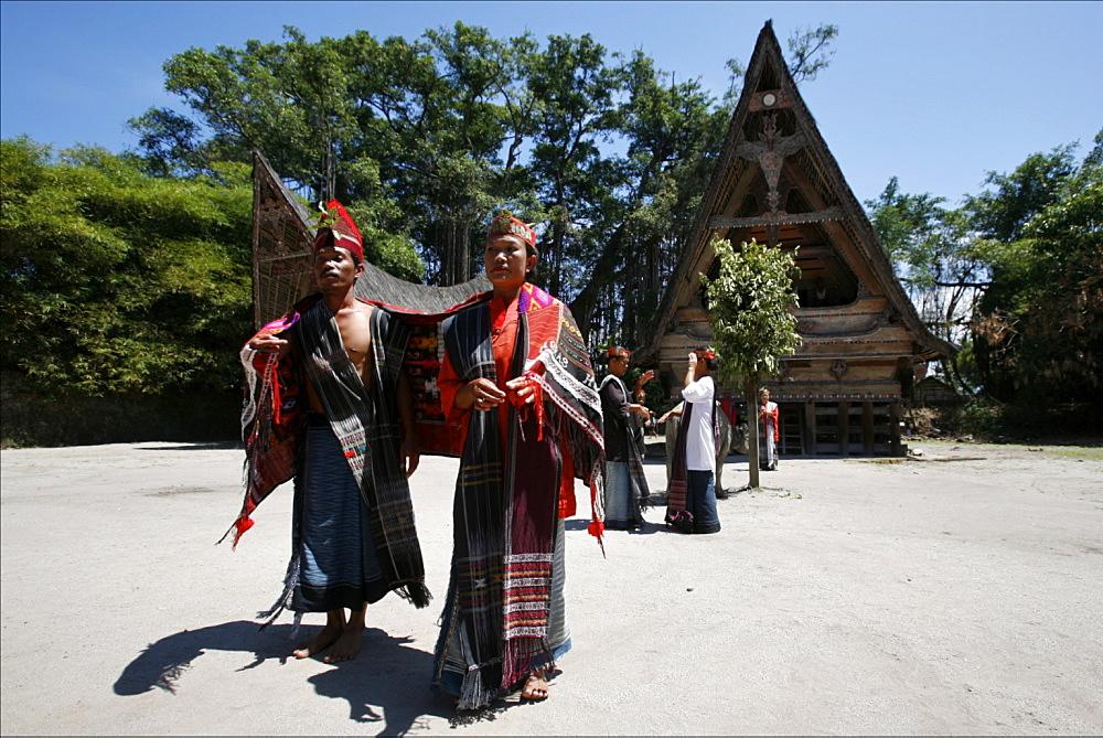 Batak dance show in the village of Samosir, Lake Toba, Sumatra, Indonesia, Southeast Asia, Asia