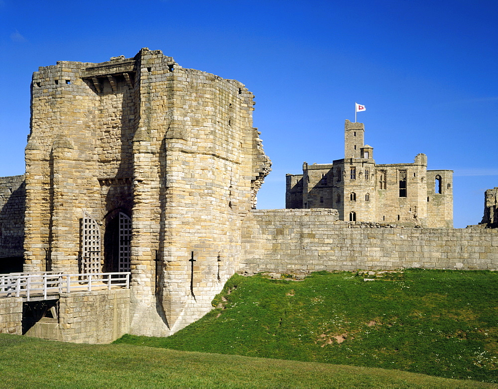 View of the Gatehouse with the Keep, Warkworth Castle, Northumberland, England, United Kingdom, Europe