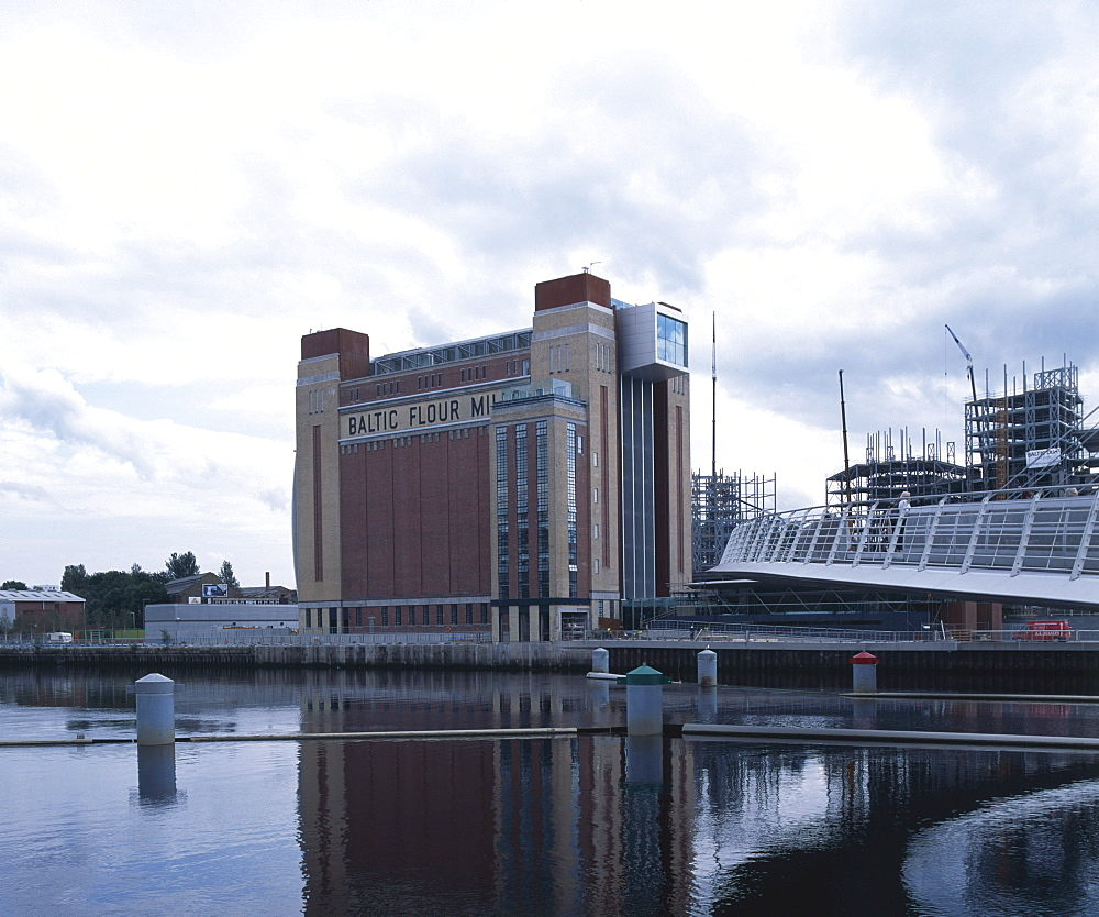 The Baltic Centre for Contemporary Art, architects Ellis Williams, formerly the Baltic Flour Mill, Gateshead, Tyne and Wear, England, United Kingdom, Europe