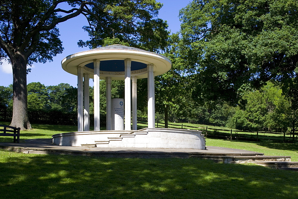 Monument on the site of the signing of the Magna Carta in 1215, Runnymede, Surrey, England, United Kingdom, Europe