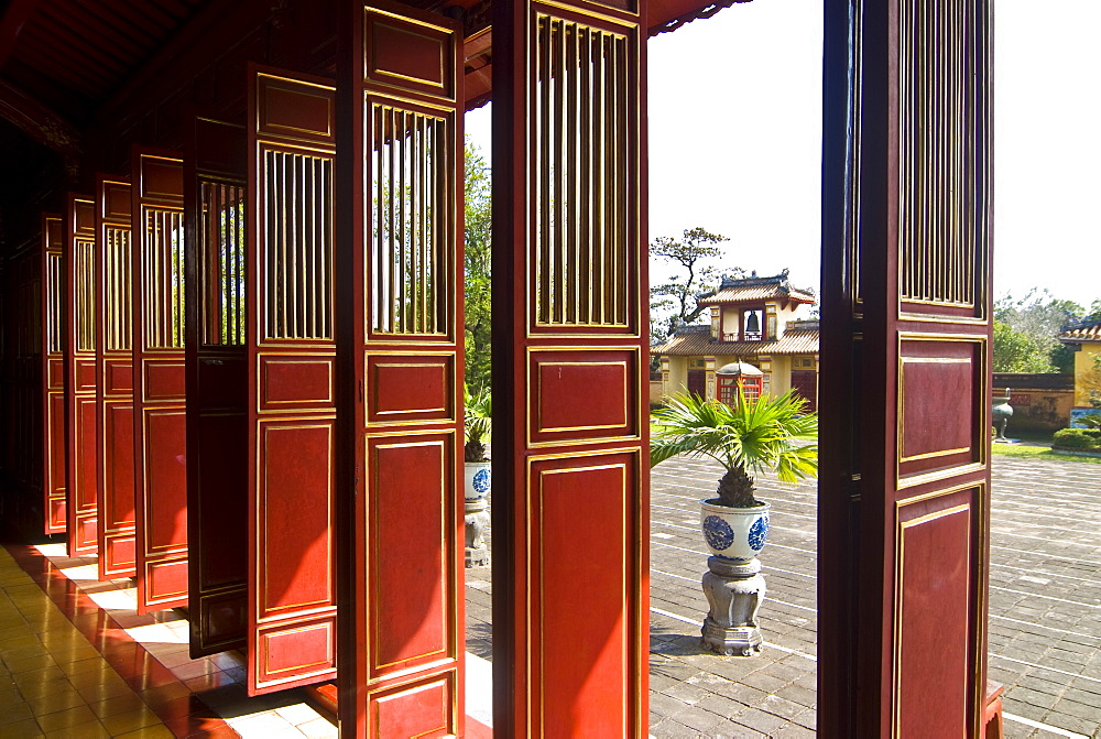 To Mieu Temple complex, UNESCO World Heritage Site, Hue, Vietnam, Indochina, Southeast Asia, Asia
