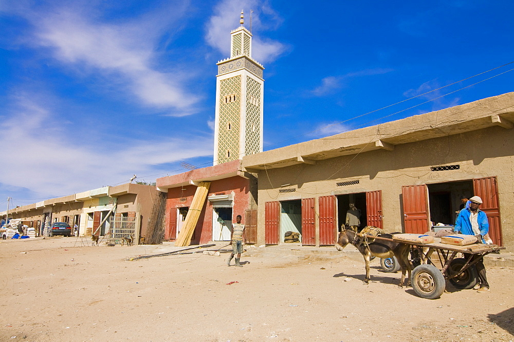 Market in front of the Moroccon Mosque, Nouakchott, Mauritania, Africa