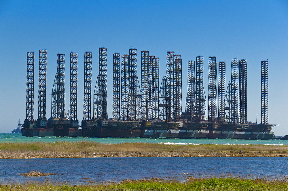 Offshore oil rigs at the Baku Bay, near Baku, Azerbaijan, Central Asia, Asia