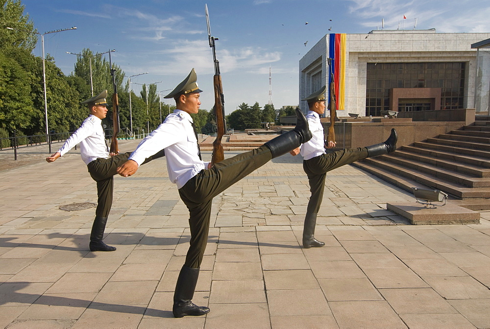 Soldiers at Ala-Too Square, Bishkek, Kyrgyzstan, Central Asia, Asia