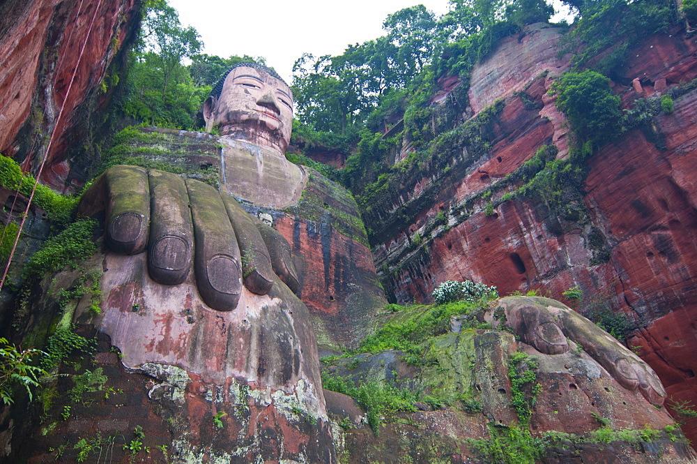 The giant Buddha of Leshan, UNESCO World Heritage Site, Sichuan, Tibet, China, Asia