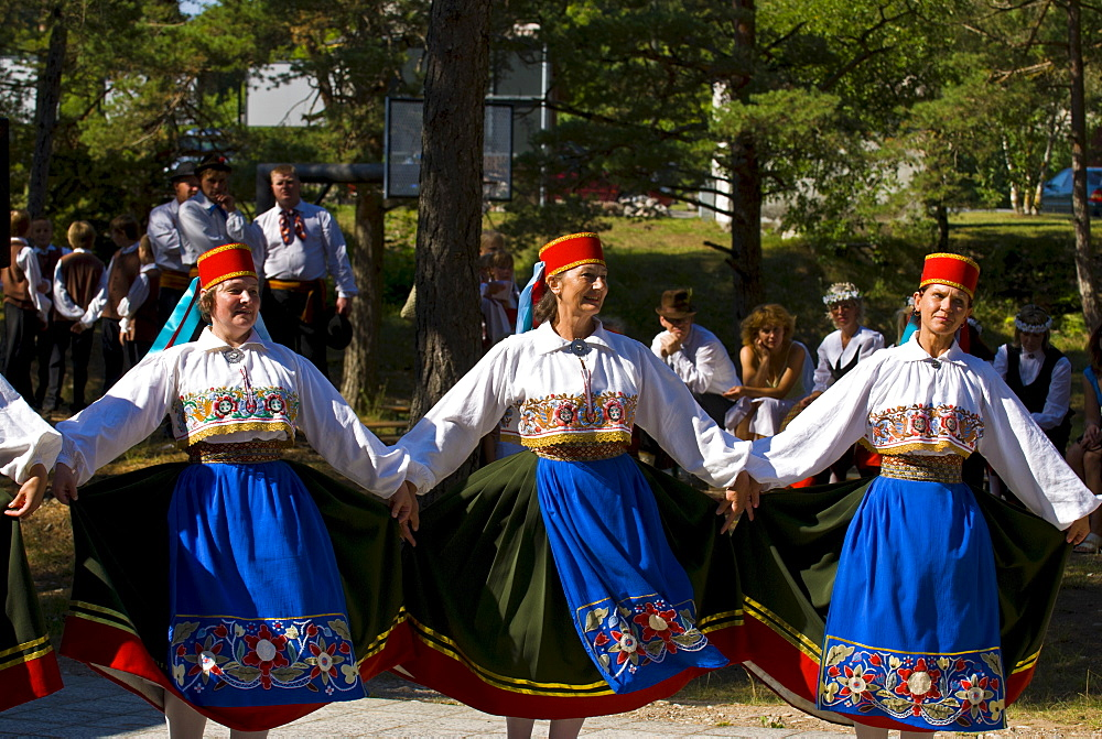 Traditionally dressed women dancing at folk show at Saaremaa Island, Estonia, Baltic States, Europe - 816-2663