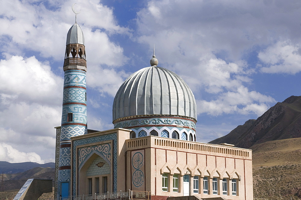 Mosque, Naryn, Kyrgyzstan, Central Asia, Asia