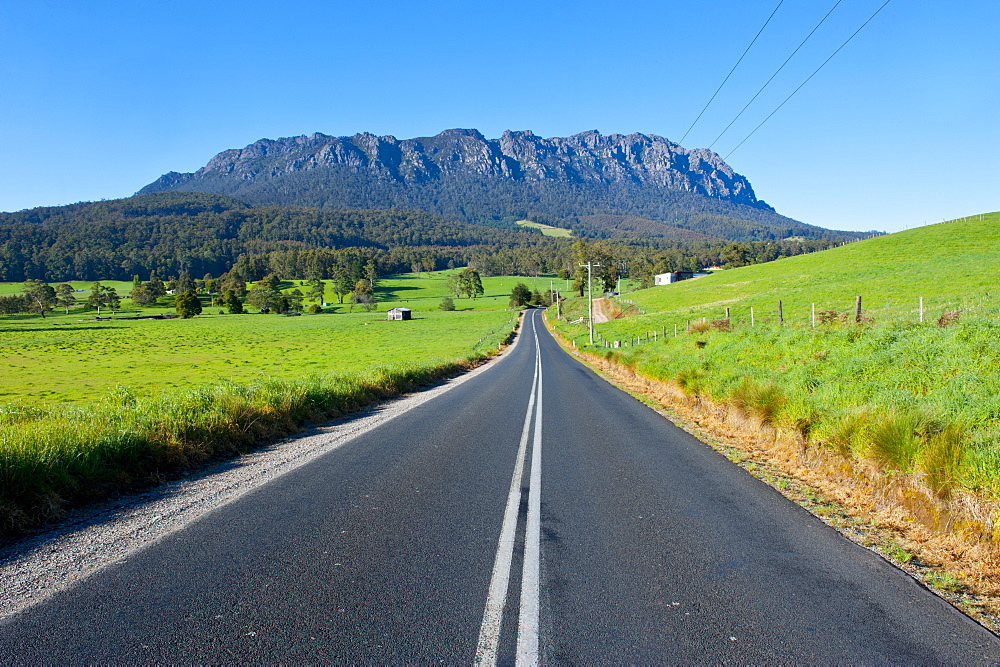 Cradle Mountain seen from around Sheffield, Tasmania, Australia, Pacific  - 816-3722