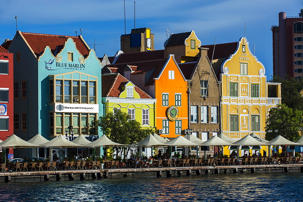 The Dutch houses at the Sint Annabaai in Willemstad, UNESCO World Heritage Site, Curacao, ABC Islands, Netherlands Antilles, Caribbean, Central America