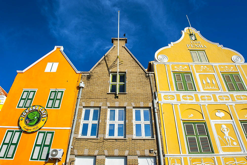 The colourful Dutch houses at the Sint Annabaai in Willemstad, UNESCO World Heritage Site, Curacao, ABC Islands, Netherlands Antilles, West Indies, Caribbean, Central America