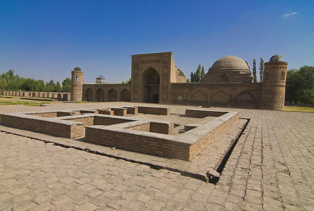 Medressa i-Kuhna, near Dushanbe, Hissar, Tajikistan, Central Asia
