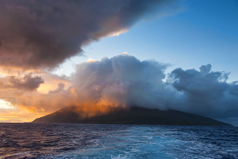Sunrise over Tau Island, Manua Island group, American Samoa, South Pacific, Pacific