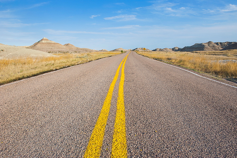 Road through the Badlands National Park, South Dakota, United States of America, North America