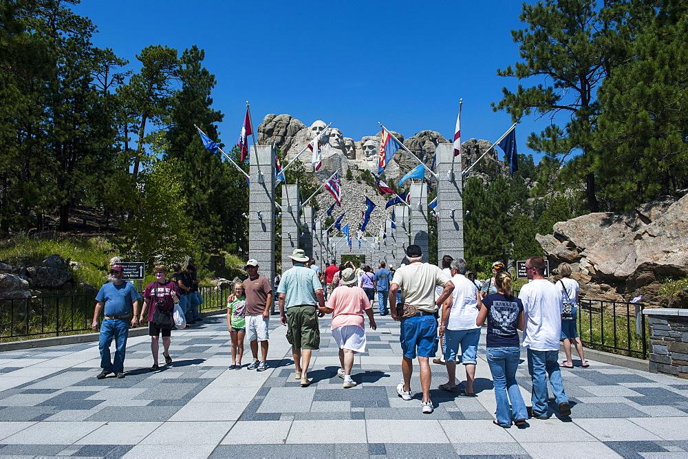 Tourists on their way to Mount Rushmore, South Dakota, United States of America, North America