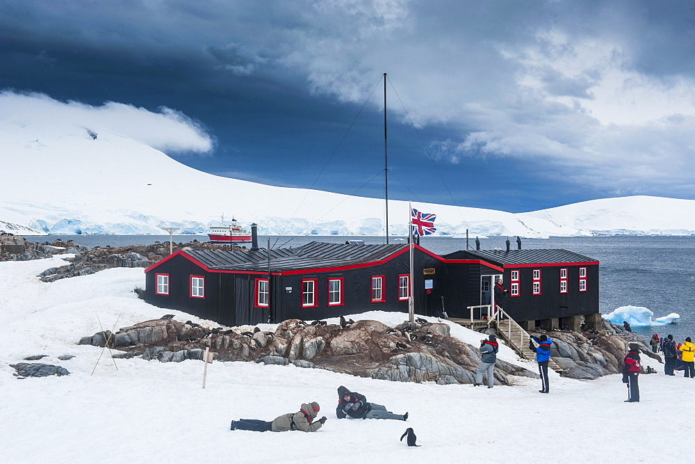 Port Lockroy research station, Antarctica, Polar Regions - 816-4464