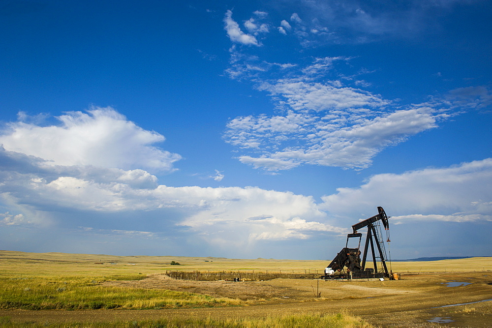 Oil rig in the savannah of Wyoming, United States of America, North America