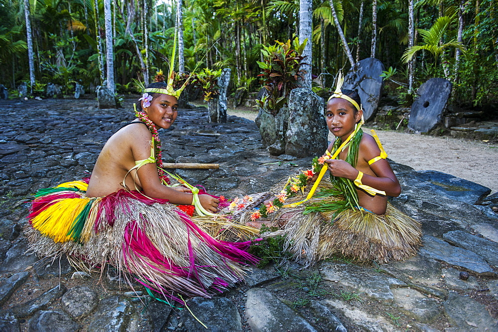 Local islanders practising traditional art work, Island of Yap, Federated States of Micronesia, Caroline Islands, Pacific