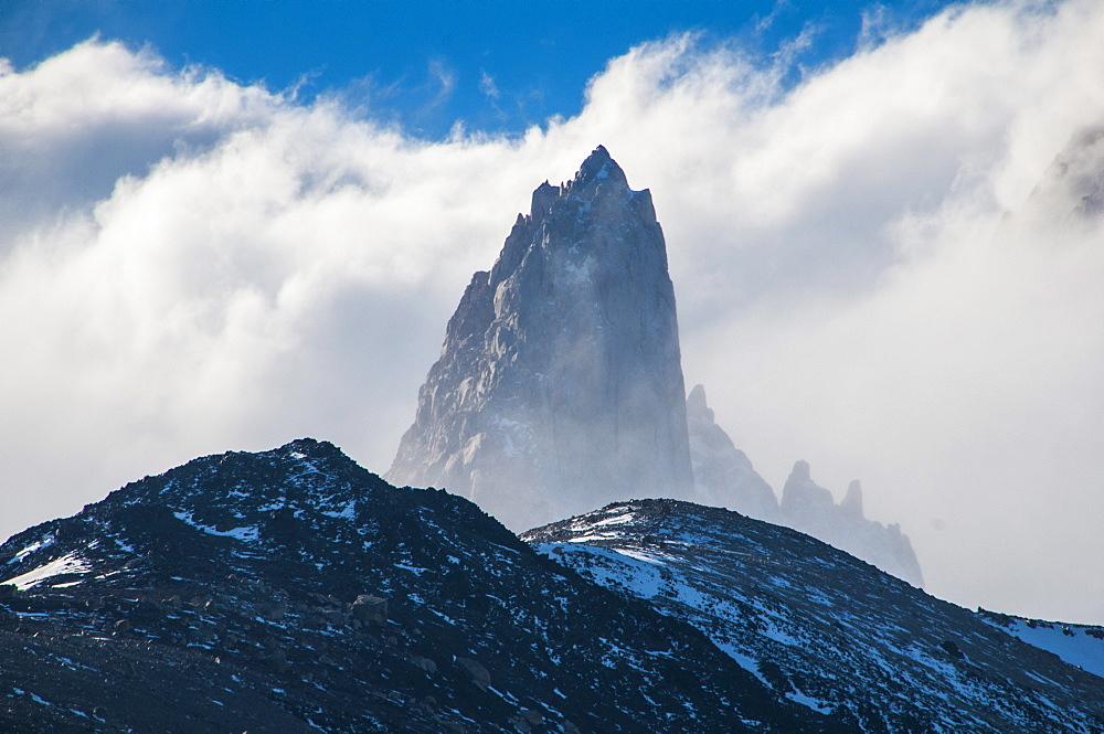 Mount Fitzroy (Cerro Fitz Roy), El Chalten, Los Glaciares National Park, UNESCO World Heritage Site, Santa Cruz Province, Patagonia, Argentina, South America
