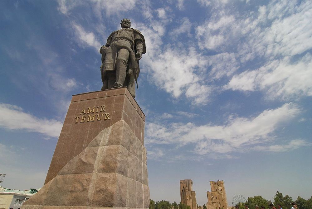Statue of Timur on the big square, Shakhrisyabz, Uzbekistan, Central Asia