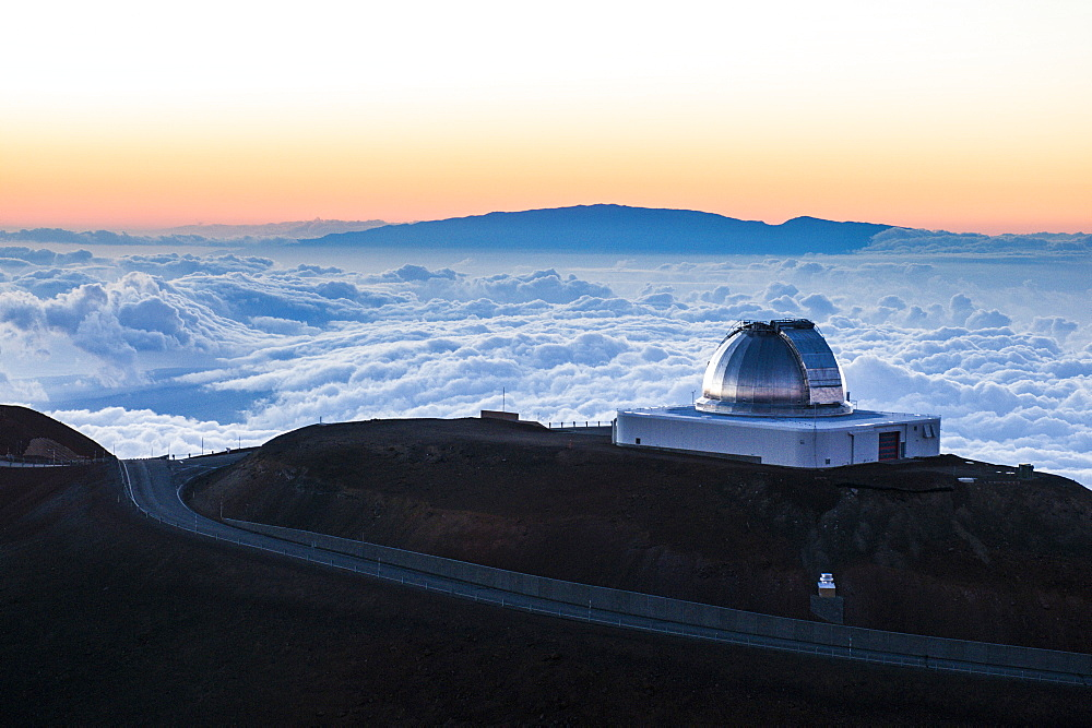 Observatory on Mauna Kea at sunset, Big Island, Hawaii, United States of America, Pacific - 816-6133
