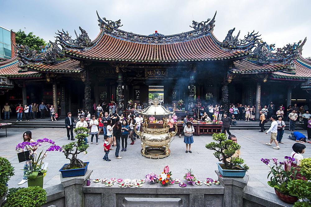 Longshan Temple, Taipei, Taiwan, Asia