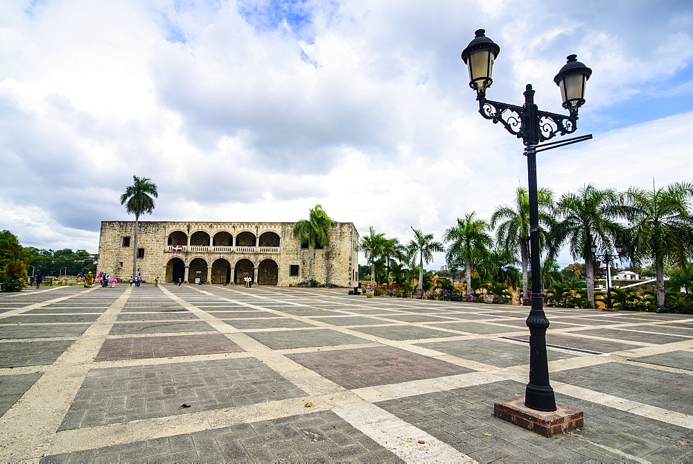 Mueso Alcazar de Colon on the Plaza Espagna, Old Town, UNESCO World Heritage Site, Santo Domingo, Dominican Republic, West Indies, Caribbean, Central America