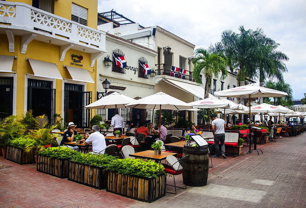 Restaurants on Plaza Espagna in the Old Town, UNESCO World Heritage Site, Santo Domingo, Dominican Republic, West Indies, Caribbean, Central America