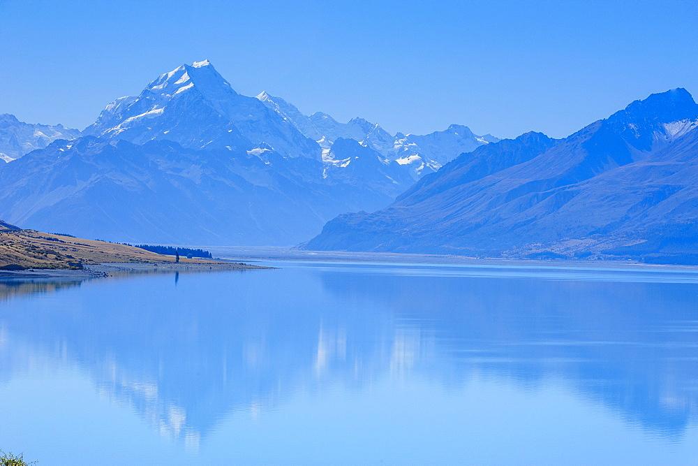 Lake Pukaki, Mount Cook National Park, UNESCO World Heritage Site, South Island, New Zealand