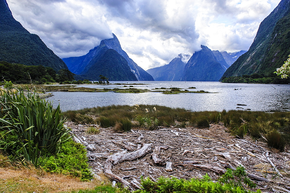 Dramatic clouds in Milford Sound, Fiordland National Park, UNESCO World Heritage Site, South Island, New Zealand, Pacific