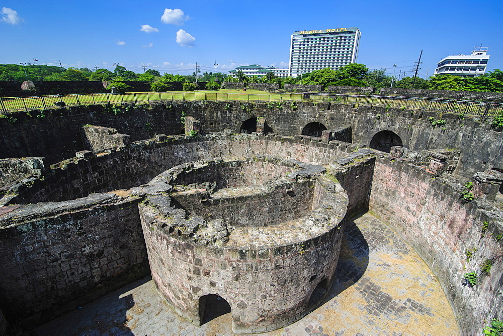 Old watchtower Baluarte de San Diego, Intramuros, Manila, Luzon, Philippines, Southeast Asia, Asia