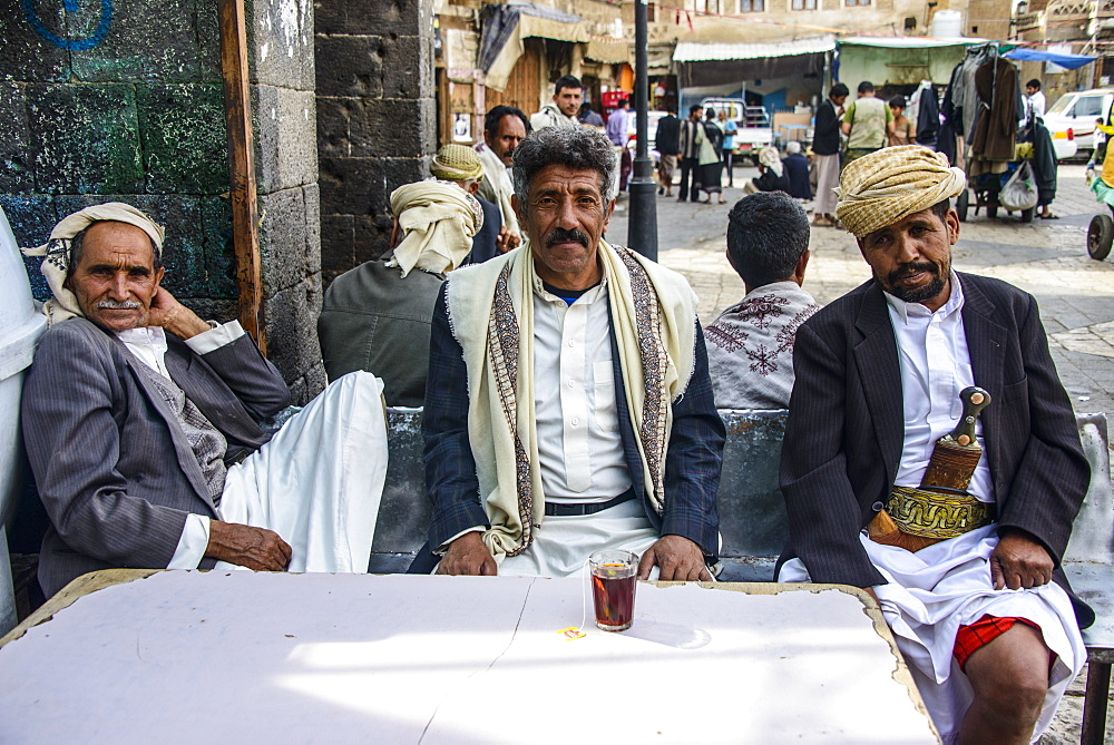 Men drinking tea in the Old Town, UNESCO World Heritage Site, Sanaa, Yemen, Middle East