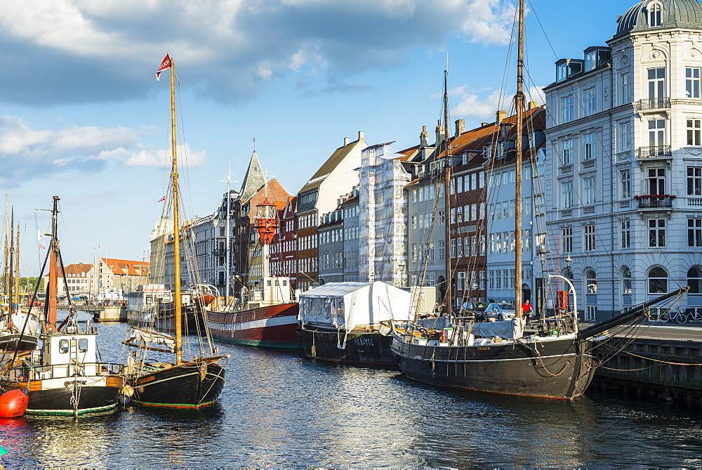 Fishing boats in Nyhavn, 17th century waterfront, Copernhagen, Denmark, Scandinavia, Europe