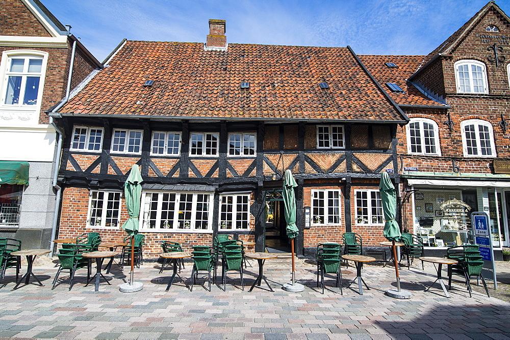 Outdoor restaurant in Ribe, Denmark's oldest surviving city, Jutland, Denmark, Scandinavia, Europe