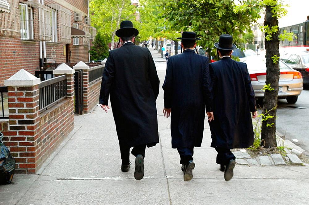 Orthodox Hasidic Jewish men, Williamsburg, the heart of the Satmar Hasidic Jewish community, Brooklyn, New York