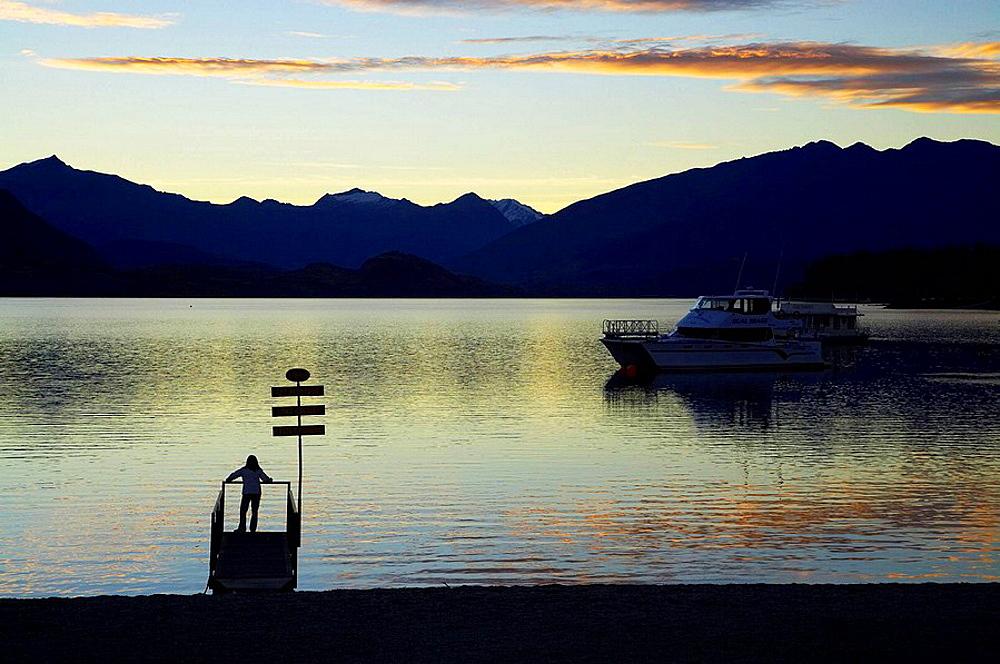 Dusk, Lake Wanaka, Otago, South Island, New Zealand
