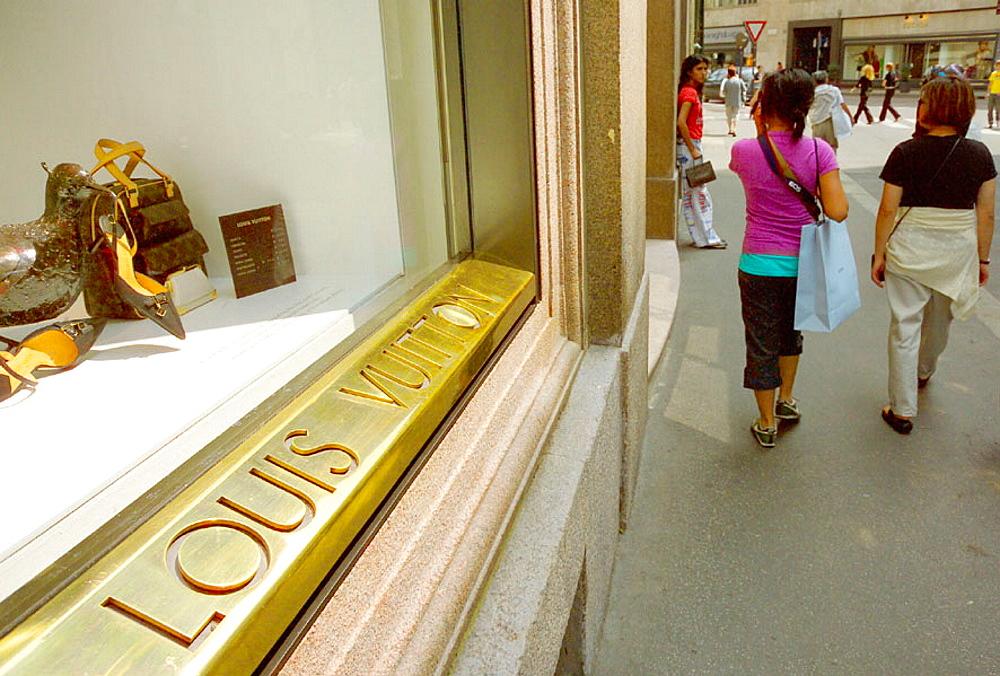 Italy, Lombardy, Milan, Quadrilatero Fashion Area, Via Monte Napoleone, Louis Vuitton shop