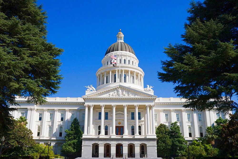 The California State Capitol building, Sacramento, California, USA